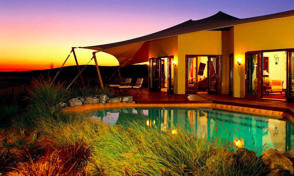 Aline Cara Luna Hotel Goals