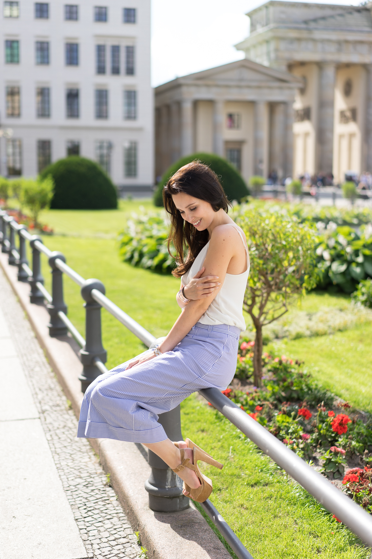 Aline Cara Luna Outfit Post: Summerly Stripes